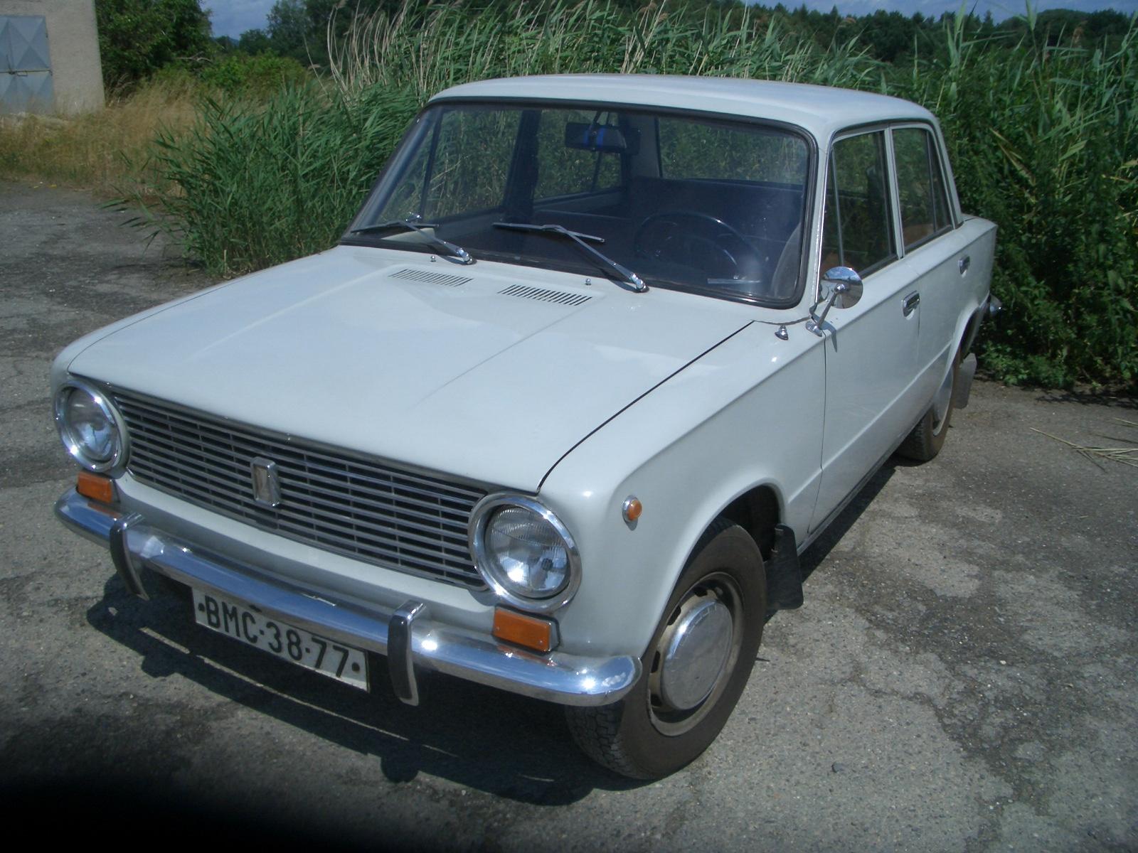 Vaz Ziguli on Fiat 850 Berlina